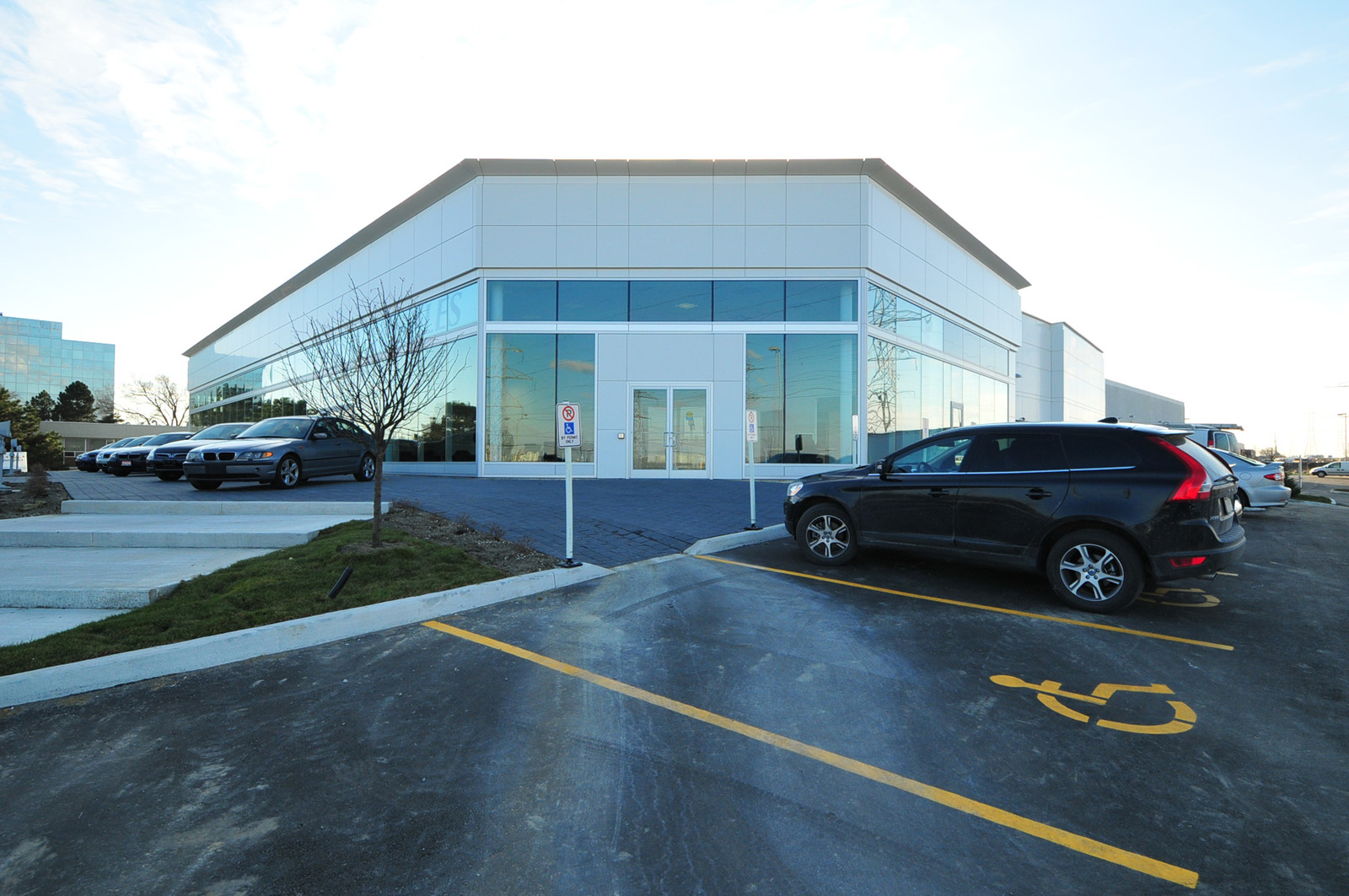 Auto World Dealership and Body Shop Facility